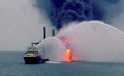 На Каспии горит азербайджанская газовая скважина