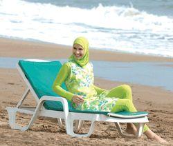 Хит продаж в кризис: купальники для мусульманок