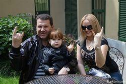 Нардеп от УДАРа Сергей Куницын выложил в Сеть фото своей новой семьи
