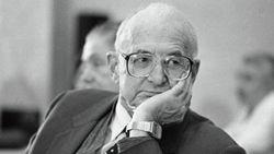 В Москве скончался легендарный хирург Михаил Перельман