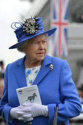 Елизавета II объявила о новых ограничениях для иммигрантов в Британии