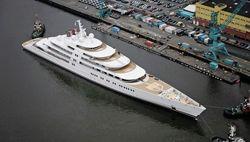 Назван владелец самой большой яхты мира Azzam – семья президента ОАЭ