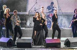 На концерте ко Дню Киева Могилевская показала свое нижнее белье... случайно