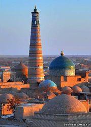 Акция в Бишкеке против проведения экзаменационных тестов на узбекском языке - причины