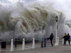 "Супертайфун ""Болавен"" обрушился на Корею"