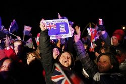 Жители Фолкендских островов предпочли остаться под британским флагом