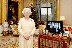Нравы: королева Великобритании ищет в интернете горничную