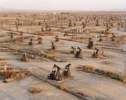 Рост запасов в США повлиял на стоимость нефти разнонаправлено