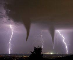 На Оклахому-Сити обрушилось сразу пять торнадо – последствия