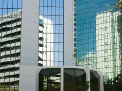 Цены на коммерческую недвижимость в Канаде падают медленнее, чем в мире