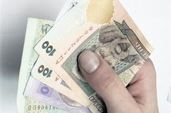 С апреля в Украине повышается минимальная зарплата и пенсия