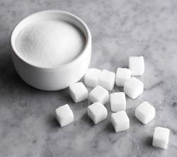 Инвесторам: рынок сахара закрылся понижением цен