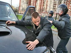 Оригинального угонщика арестовали в Крыму