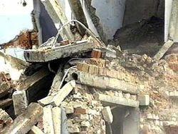 Кто стал жертвой частичного обрушения здания?