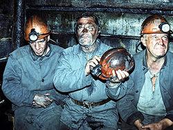 На Луганщине, шахтеры добровольно не выходят на поверхность