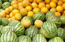 СЭС: в дынях и арбузах, что продаются на киевских рынках, нитратов не выявлено