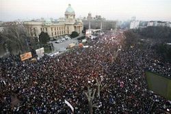 Акции протеста перекинулись на Европу?