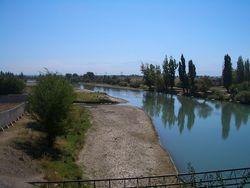 Как ведутся работы по предотвращению размыва побережья реки Чу?