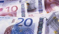 """Курс евро: Европу по-прежнему """"штормит"""""""