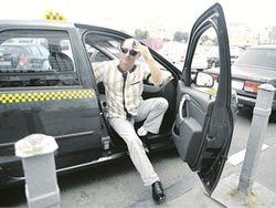 Украинских таксистов оденут в униформу и снабдят терминалами