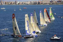 В кругосветной регате Volvo Ocean Race соперничают команды Abu Dhabi и Camper