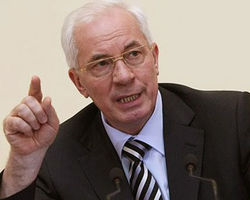 Азаров планирует привязать акциз к ценам на нефть в мире