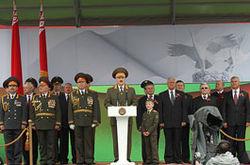 """Александр Лукашенко обещает не допустить """"цветных революций"""""""