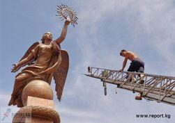 Почему в Бишкеке снесли памятник Свободе?