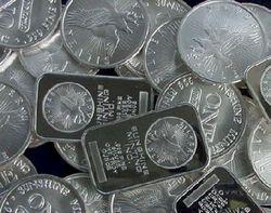 Инвесторам: серебро корректируется вниз
