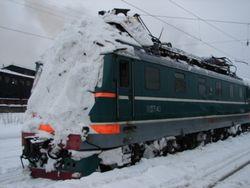 из-за снежных заносов остановлены поезда