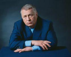Что Жириновский презентовал М.Прохорову?