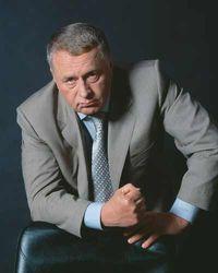 """Жириновский намеревается """"посадить"""" тысячи чиновников"""