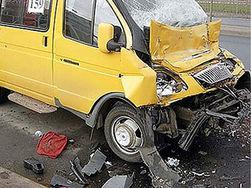 В Минске столкнулись маршрутка и иномарка: пострадали 6 человек