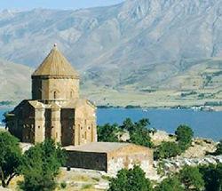 Больше всего в Армению приезжает… армян