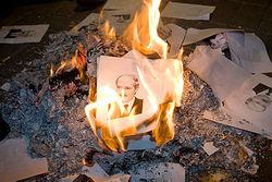 Лукашенко пообещал выпустить политзаключенных