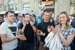 Отныне в Беларуси запрещено просто стоять и молчать