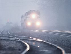 В Каменец-Подольском девушка бросилась под поезд