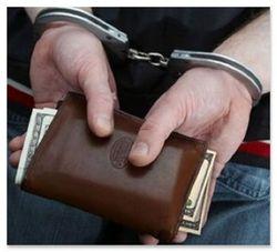 Два бывших начальника ФМС подозреваются в мошенничестве