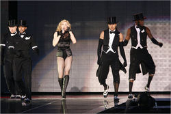 Множество билетов на концерт Мадонны раскуплены в первые часы продаж