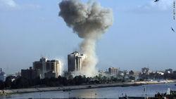 В результате трех взрывов в Багдаде пострадали люди