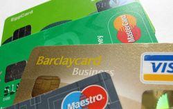 Белорусские банки ограничивают суммы операций в валюте по платежным картам