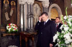 Виктор Янукович принял участие в Божественной литургии