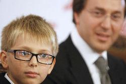 Почему Дени Байсаров отказался от матери?