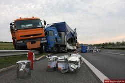 Два грузовика столкнулись в Одесской области
