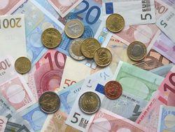 Курс евро в неопределенности на рынке
