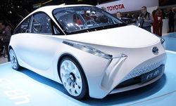Компания Toyota привезла в Женеву уникальный «гибрид»