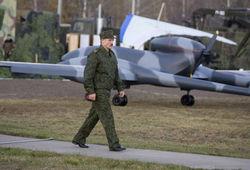 Лукашенко просит денег у России на белорусских военных