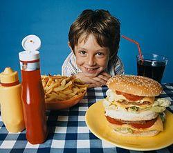 Почему в Латвии детям запрещают питаться в школьных буфетах?
