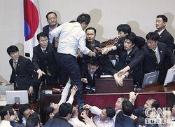 Южная Корея. Драка в парламенте