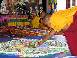 Монахи разрушили «мандалу безграничной мудрости»